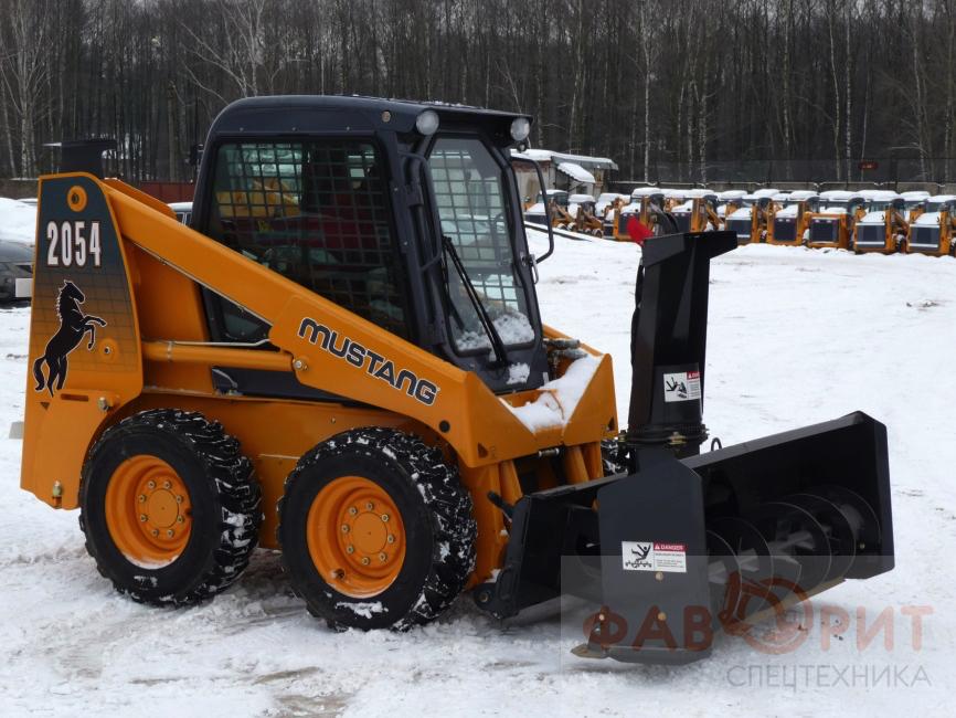 Заказать трактор для уборки снега в москве